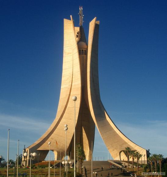 external image Monument-des-Martyrs.jpg