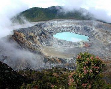 http://www.touristspots.org/wp-content/uploads/2010/01/Poas-Volcano-370x297.jpg