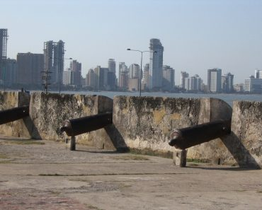 http://www.touristspots.org/wp-content/uploads/2011/03/Cartagena-de-Indias-370x297.jpg