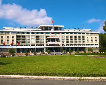 http://www.touristspots.org/wp-content/uploads/2011/03/Reunification-Palace-370x297.jpg