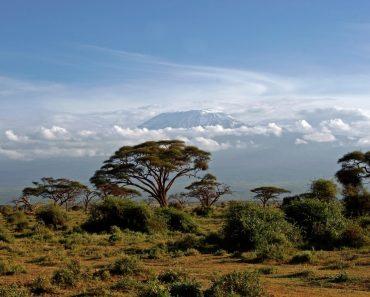http://www.touristspots.org/wp-content/uploads/2011/05/Amboseli-National-Park-370x297.jpg
