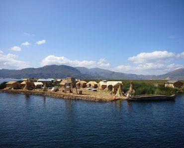 http://www.touristspots.org/wp-content/uploads/2011/06/Titicaca-Lake-370x297.jpg