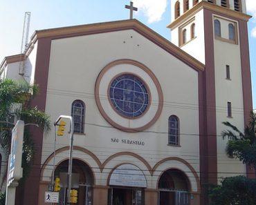 http://www.touristspots.org/wp-content/uploads/2011/07/Sao-Sebastiao-Church-370x297.jpg