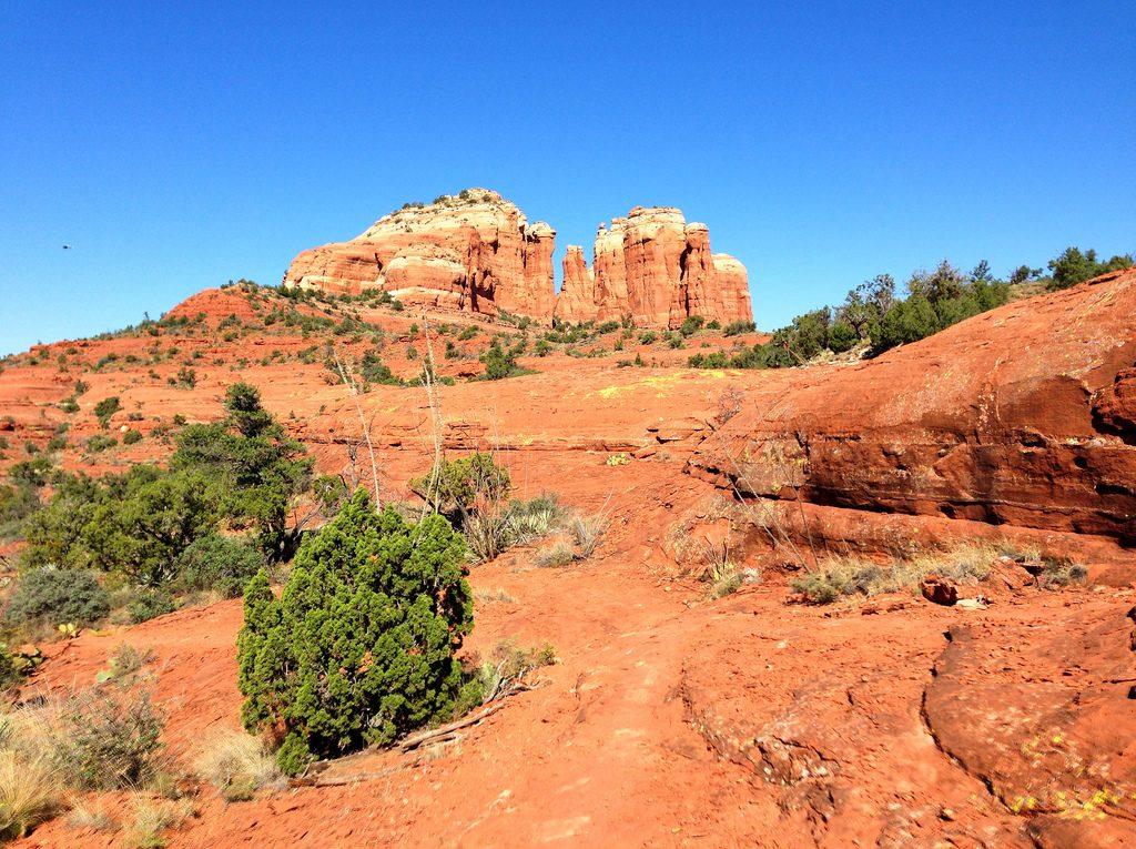 Mountain biking the Hi Line Trail near Sedona, Arizona ( http://www.trailsource.com/scripts/four.asp?ID=24139&TYPE=BIKE )